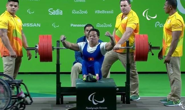 VĐV Lê Văn Công đoạt 1 HCV, phá kỷ lục Paralympic, phá kỷ lục thế giới ở mức tạ 183 kg