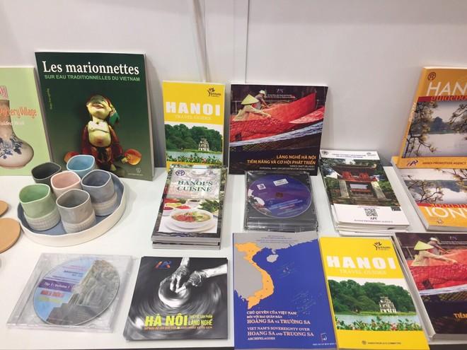 Sách về văn hóa Hà Nội, chủ quyền biển đảo được giới thiệu tại Gian hàng Hà Nội- Việt Nam, Hội chợ sách Frankfurt