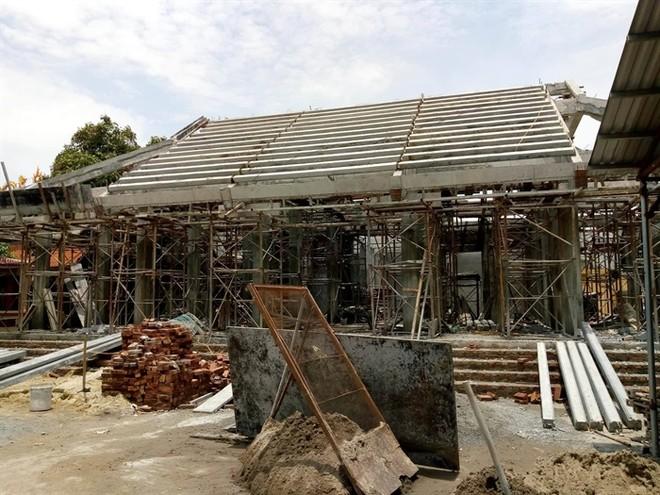 Rất khó để phục hồi lại kiến trúc xưa của ngôi đình cổ (ảnh Quang Tấn)