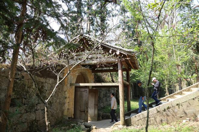Cháu nội vua Mèo kiến nghị về quyền sử dụng đất ở dinh thự họ Vương- Đồng Văn