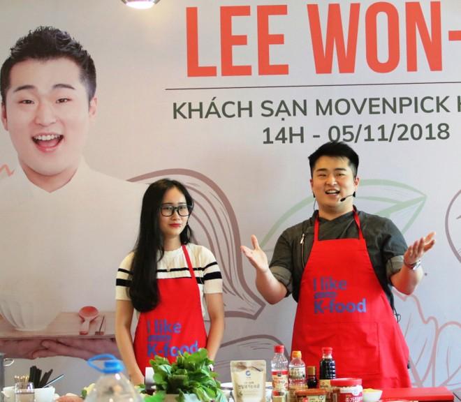 Đầu bếp nổi tiếng Hàn Quốc đến Việt Nam dạy nấu ăn ảnh 1