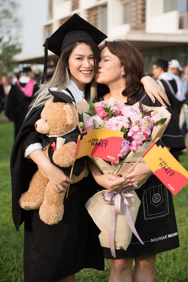 Nữ diễn viên Ngọc Thanh Tâm và mẹ