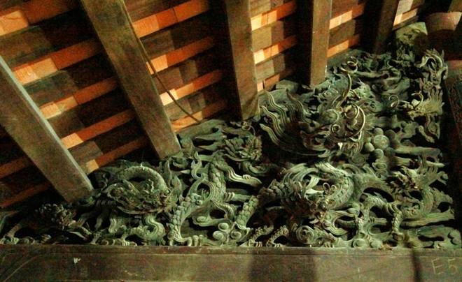 Một mảng chạm rồng đạt đến độ đỉnh cao nghệ thuật tại chùa Bối Khê (ảnh: Hồ Hạ)