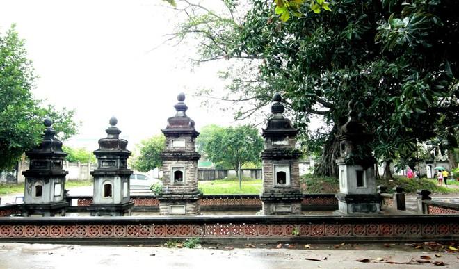 Vườn tháp chùa (ảnh Hồ Hạ)