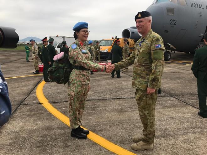 Australia tiếp tục đảm nhiệm việc hỗ trợ Việt Nam triển khai lực lượng Gìn giữ Hòa bình Liên Hiệp Quốc bằng việc cử một trong những loại máy bay vận tải quân sự lớn nhất của mình C-17A để chuyên chở người và thiết bị của Bệnh viện