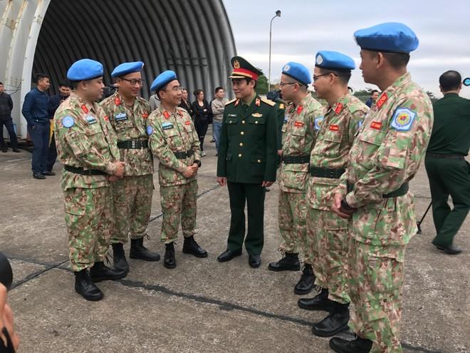 Bệnh viện dã chiến cấp 2 số 2 rời Hà Nội lên đường làm nhiệm vụ tại Nam Sudan
