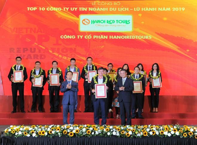 HanoiRedtours lọt top 10 thương hiệu uy tín ngành du lịch- lữ hành 2019
