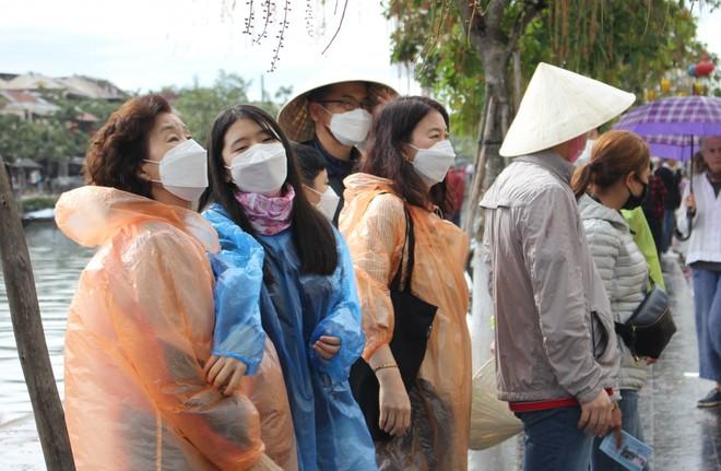 Lượng du khách tới Việt Nam sụt giảm mạnh do ảnh hưởng từ dịch viêm phổi cấp