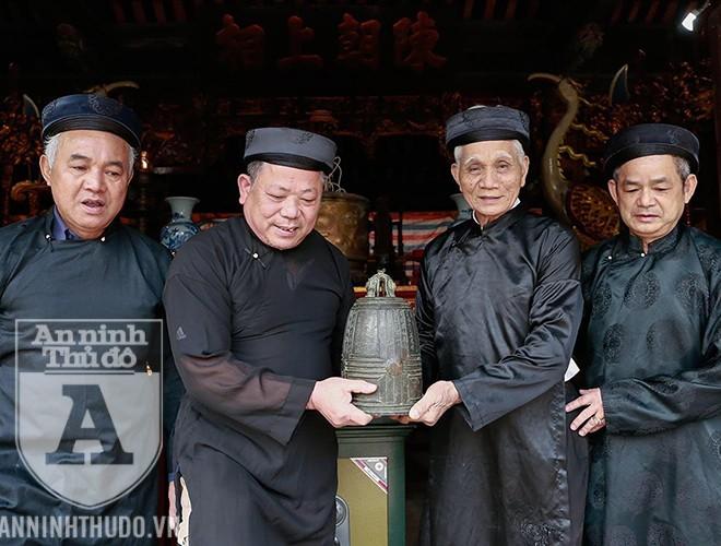 Bí ẩn quả chuông đồng hơn 1.000 năm tuổi ở Hà Nội