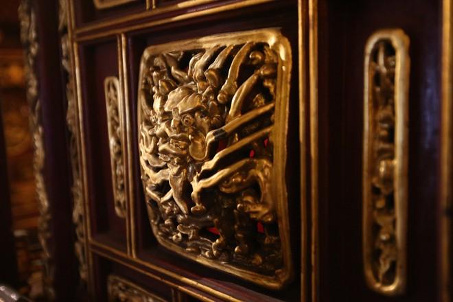 Với nghệ thuật sơn thếp và chạm khắc đạt đến đỉnh cao, khám thờ chùa Bà Tấm vừa trở thành Bảo vật Quốc gia (ảnh: Hữu Nghị)