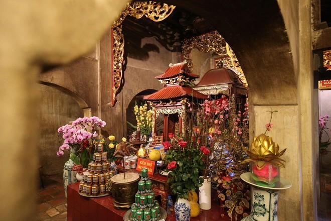 Khám thờ gỗ thời Mạc được xem là đỉnh cao của nghệ thuật sơn son thếp vàng (ảnh: Hữu Nghị)