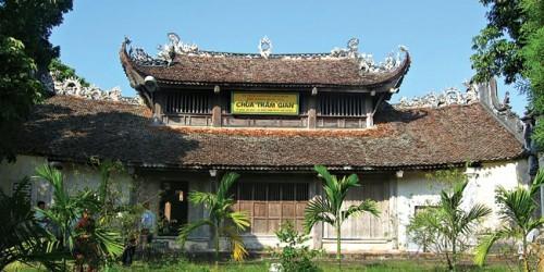 """Năm 2012, chùa Trăm Gian đã từng tu bổ sai nguyên tắc hai công trình là nhà Tổ và gác Khánh, sự việc khi đó đã gây """"bão"""" dư luận"""