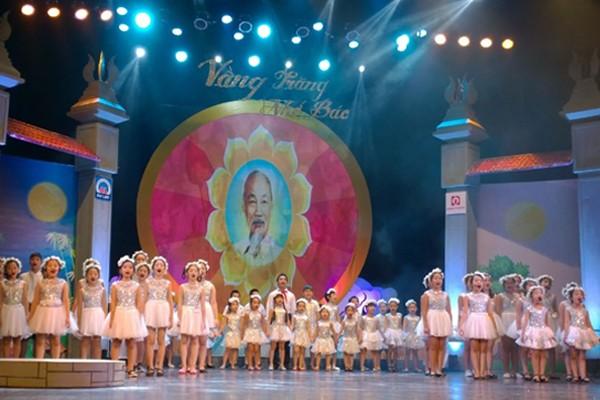 Các bài hát thiếu nhi đi cùng năm tháng đã được vang lên trong khán phòng Nhà hát Lớn Hà Nội