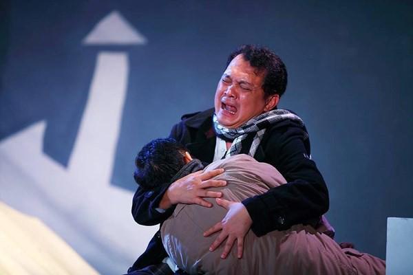 NSƯT Hữu Châu còn là một diễn viên của sân khấu kịch