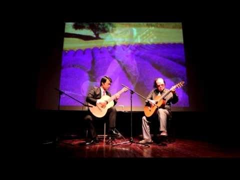 Nghệ sỹ Vũ Hiển trong lần đứng chung sân khấu với nghệ sỹ guitar Văn Vượng