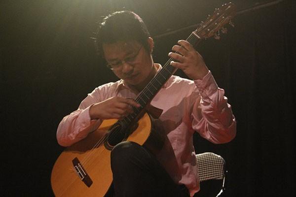 Nghệ sỹ guitar Vũ Đức Hiển