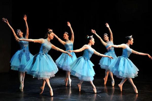 """Thêm một đêm diễn ballet """"Kẹp hạt dẻ"""" tại Hà Nội"""