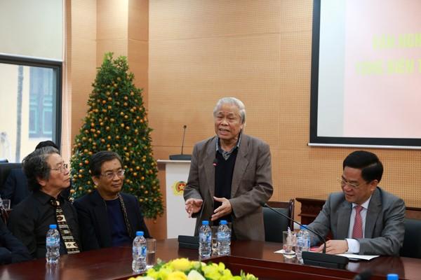 Nhà thơ Vũ Quần Phương