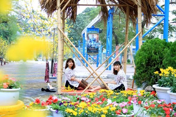 """""""Tết Việt 2017"""" tại Công viên Hồ Tây"""