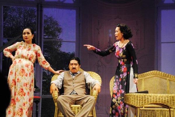 """Vở kịch """"Đàn bà dễ có mấy tay"""" từng được sân khấu Hồng Vân dàn dựng"""