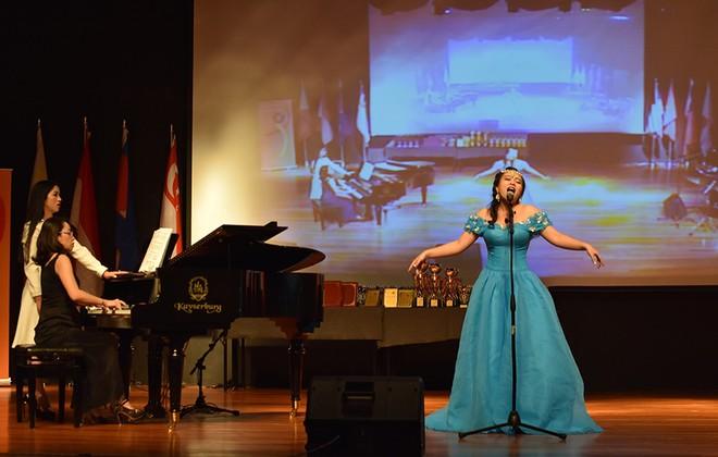 Nguyễn Đoàn Thảo Ly giành giải Vàng liên hoan Nghệ thuật châu Á – Thái Bình Dương