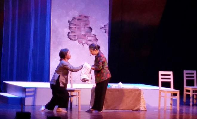 Cảnh diễn nỗi lòng của hai người mẹ đã lấy đi của khán giả nhiều giọt nước mắt