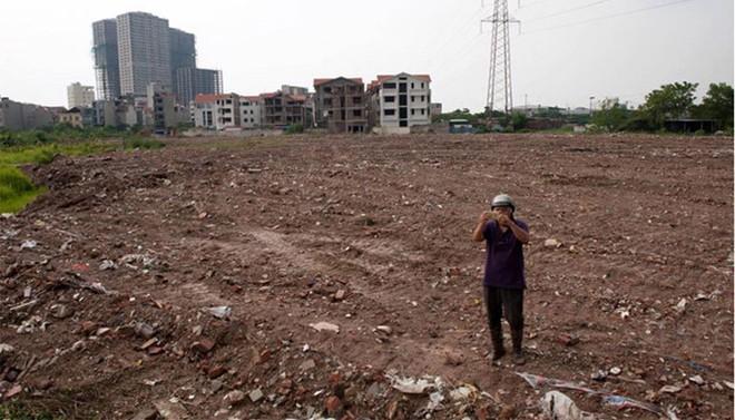 Hình ảnh chụp tại hiện trường khu vực được cho là đã san lấp di chỉ Vườn Chuối