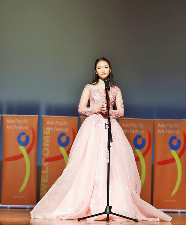 Khánh Linh giành HCV bảng chuyên nghiệp tại Liên hoan nghệ thuật Châu Á-Thái Bình Dương