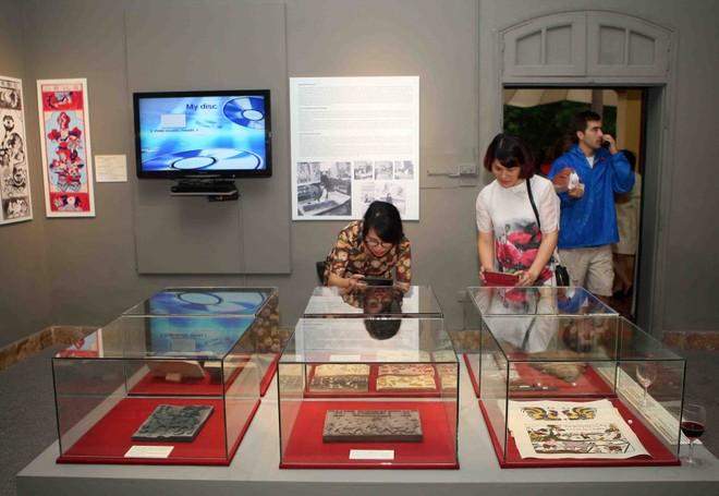 Giới thiệu bộ sưu tập tranh dân gian Việt Nam độc đáo của học giả người Pháp
