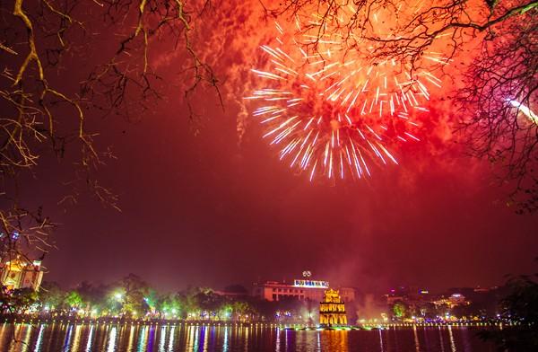 Hà Nội đề xuất không bắn pháo hoa dịp Tết dương lịch
