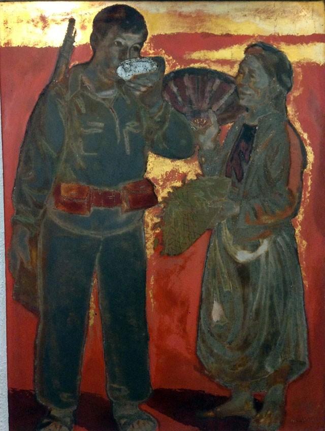 """Tác phẩm sơn mài """"Tình quân dân"""" (Bát nước"""" của Nguyễn Sỹ Ngọc"""