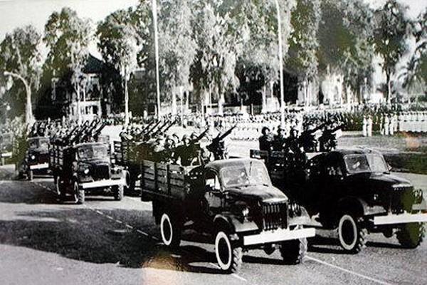 Lễ diễu binh mừng chiến thắng tại Thủ đô Phnom Penh (Campuchia). Ảnh tư liệu