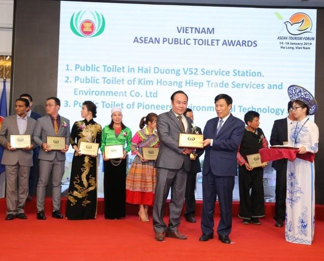 """Việt Nam nhận giải thưởng """"Nhà vệ sinh công cộng ASEAN 2019"""" ảnh 1"""