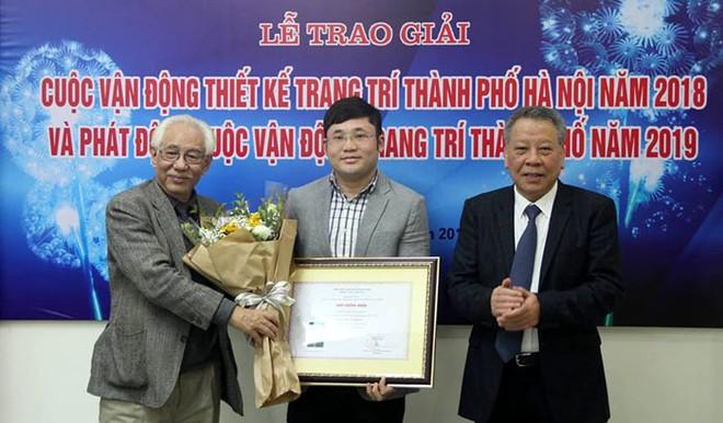 Ban tổ chức trao giải Nhất của cuộc vận động