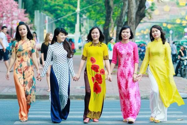 Miễn phí vé tham quan cho nữ du khách mặc áo dài vào dịp 8-3