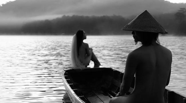 Bộ ảnh cưới nude chụp tại Đà Lạt: Chỉ nên là cuốn album trong phòng ngủ