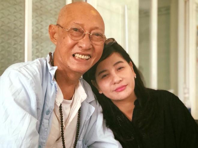 Cát Phượng là một trong những nghệ sĩ tích cực quyên góp tiền cho Lê Bình chữa bệnh.