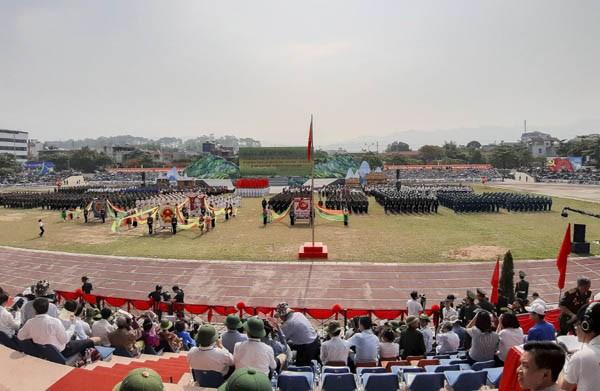 Mít tinh trọng thể kỷ niệm 65 năm Chiến thắng Điện Biên Phủ ảnh 2