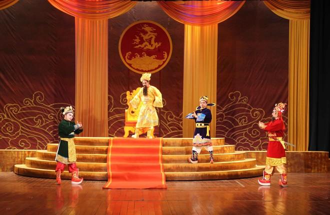 """Một cảnh trong vở tuồng """"Triết vương Trịnh Tùng"""""""