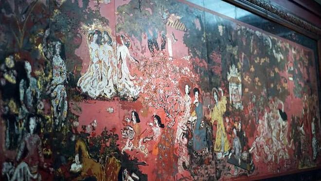 Kiệt tác hội họa của danh họa Nguyễn Gia Trí đã bị làm hỏng sau quá trình vệ sinh phòng ngừa do Bảo tàng Mỹ thuật TP.HCM thực hiện
