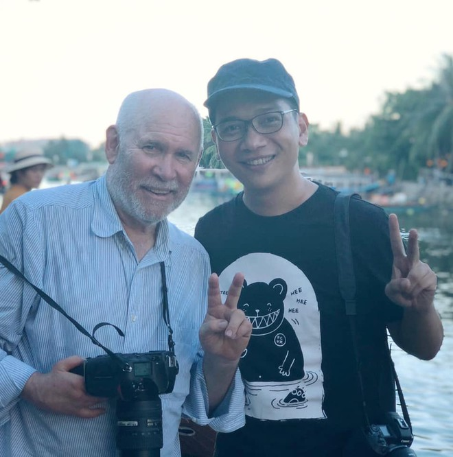 Trần Tuấn Việt gặp gỡ nhà nhiếp ảnh thế giới Steve McCurry tại Hội An