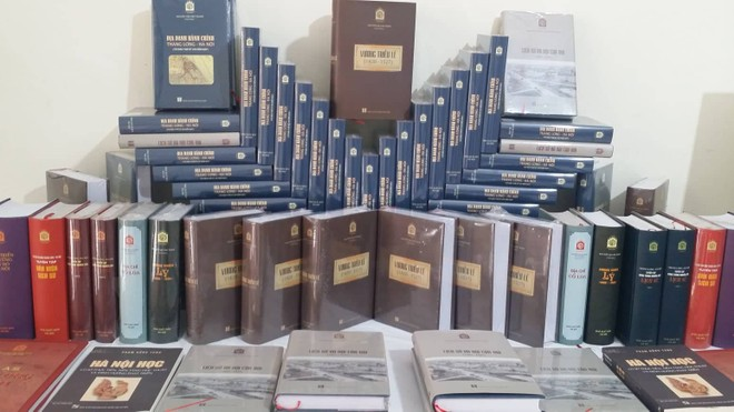 """Một thế kỷ vương triều Lê góp mặt trong tủ sách """"Thăng long ngàn năm văn hiến"""""""