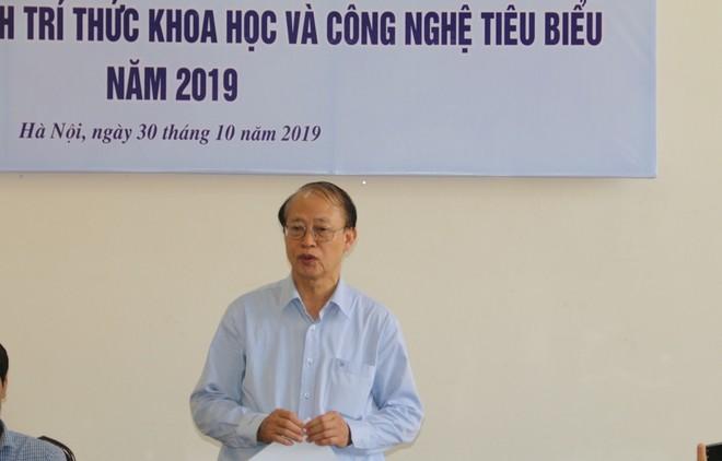 TS. Phạm Văn Tân, Phó Chủ tịch kiêm Tổng thư ký Liên hiệp Hội Việt Nam phát biểu tại họp báo