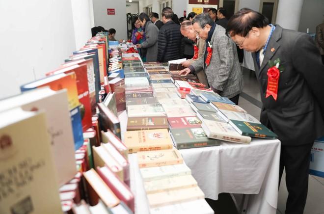 Tủ sách Thăng Long ngàn năm văn hiến giai đoạn 2 gồm 40 đầu sách về Thăng Long-Hà Nội