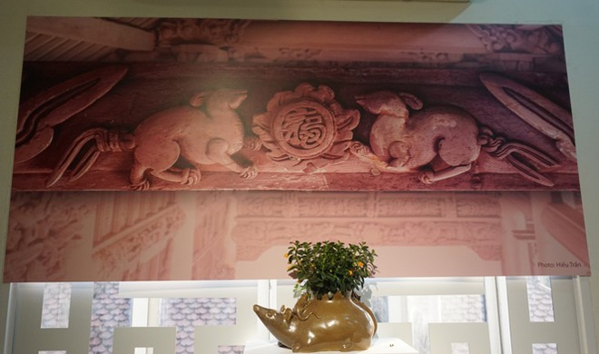 """Hình ảnh cặp chuột cầu chữ """"Phúc"""" tại đình làng Trùng Hạ, Ninh Bình"""