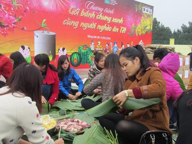 Chương trình Gói bánh chưng xanh cùng người nghèo ăn Tết là hoạt động ý nghĩa, được tổ chức thường niên.