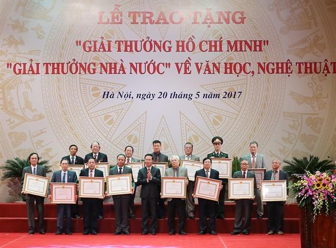 Lễ trao giải thưởng Hồ Chí Minh, giải thưởng Nhà nước về VHNT năm 2021