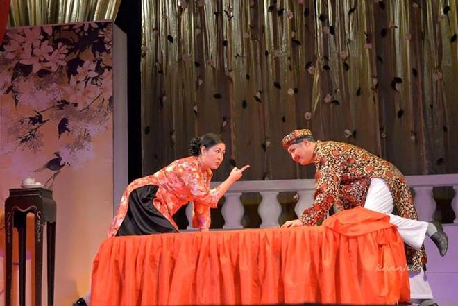 NSND Hồng Vân đóng cửa 2 sân khấu kịch để phòng tránh dịch bệnh
