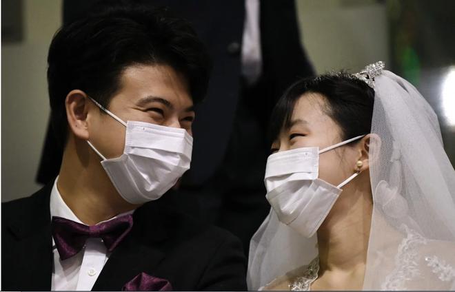 Đà Nẵng vận động người dân báo hỷ thay vì mời dự cưới trong mùa dịch Covid-19