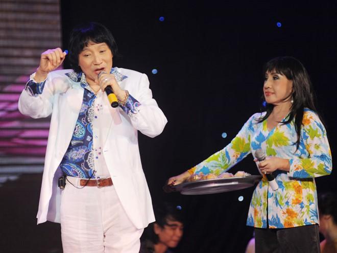 Để chạm tay tới danh hiệu NSND, nghệ sĩ cải lương Minh Vương đã trải qua quá trình cống hiến dài lâu cùng nghiệp diễn
